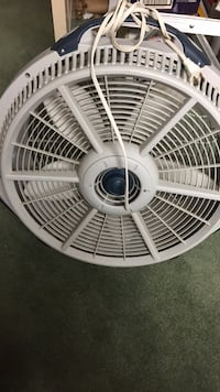 white and gray desk fan Derwood, 20855