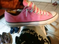 Converse size 9 and half Houston, 77022