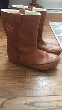 Roots Leather Boots size 9 Mississauga