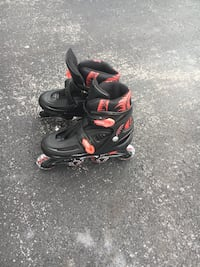 Boys size 5 brand new black & red roller blades great condition Adamstown, 21710