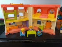 Like new Little People doll house Mississauga, L4X 2T5