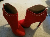 Mossivo style Val color Red Size 7 1/2  Manassas Park, 20111