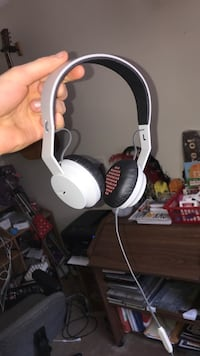 marley headphones perfect condition  Winnipeg, R2Y 1L3