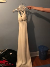 White Prom dress Hagerstown, 21742