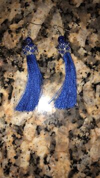 Blue beaded earrings  46 km