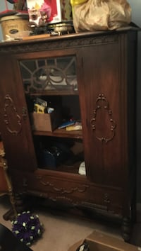 Antique dining room set china cabinet hutch 6 chairs and table  2 chairs need repair  table need refinishing  very old solid wood Guelph, N1E 1K4