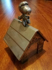 Snoopy's Dog House coin bank 1966 Los Angeles, 90042