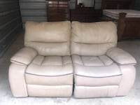 CINDY CRAWFORD LEATHER ROCKING RECLINER LOVE SEAT Houston, 77070