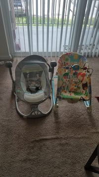 baby's two gray and white bouncer seats Alexandria, 22304