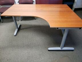 Adjustable Table Desk