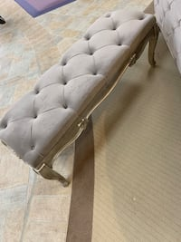 gray leather tufted sofa chair Vaughan, L4L 0B2