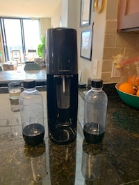 Like new soda stream with bottles and canister Arlington, 22201