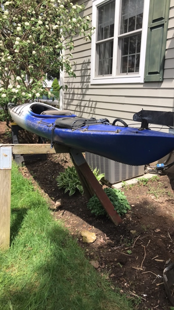 used corona perception kayak comes with rudder 14 9 long for