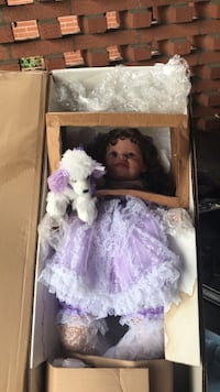 Turner Doll large number 8 out of200 made new condition paid 375.00  Evansville, 47715