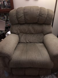 Extra large recliner  South Congaree, 29172