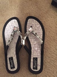Brand new Sandals never worn paid 40 dollars asking 20 obo size 10 Myrtle Beach, 29588
