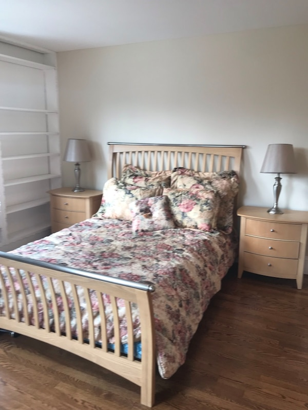 used beautiful queen size bedroom set for sale in miller