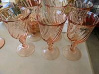 Set of 6 pink glass wine glasses Clinton Township, 48038