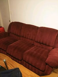 Burgundy couch and loveseat 149 mi