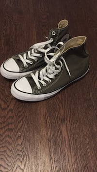 converse chuck taylor olive green high tops fits size 8 mens/10 womens Vancouver, V6B 0E8