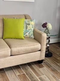 Loveseat and 2 end tables Alexandria, 22309