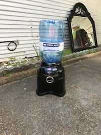 PRIMO WATER DISPENSER $15 DOES NOT COOL WATER!!!