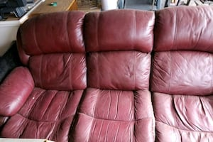 Recliner couch rust/burgundy color 3 seater well used
