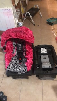 Infant carrier car seat with 2 bases and cover