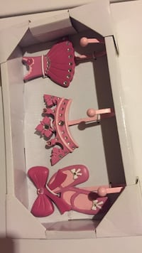 Pink dress, crown and shoes wall hooks in box Newark, 94560