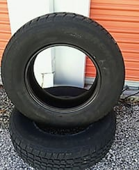 2 Avalanche extreme tires 205 75 15
