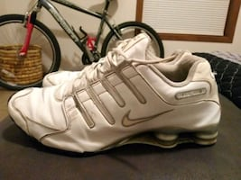 Size 14 men's Nike NZ shox in clean good condition