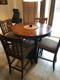 Dining room table 494 km