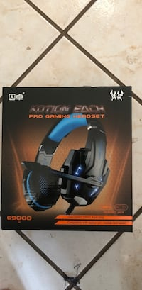 black and blue Turtle Beach headset box Markham, L3T 0A7