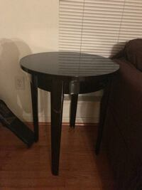 round black wooden side table Hanover, 21076