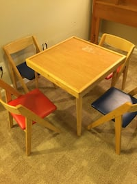 Stakmore 5 pc Children's Table and Chairs
