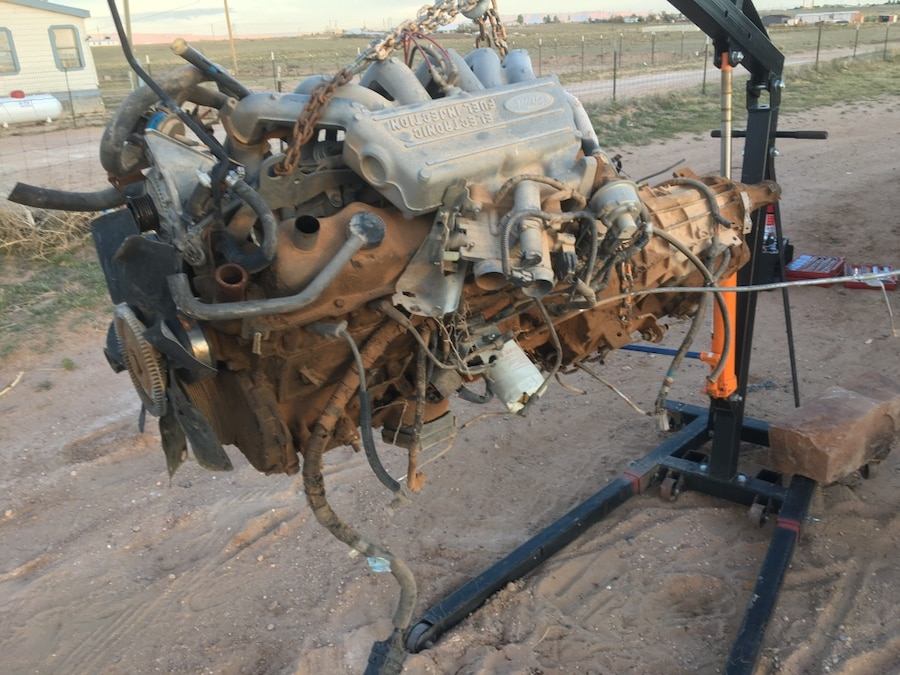 Photo 1995 Ford e150 Inline 6 motor
