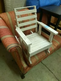 Toddler vintage rocking chair solid wood Birmingham, 35209