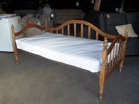 Twin day bed 20524