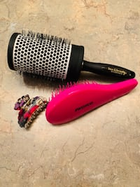 Large vented brush & detangler + fashion clip Brampton, L6R 3H9