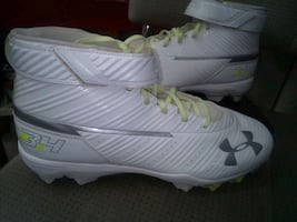 Under Armor  Football CLEETS,Men's 11/2