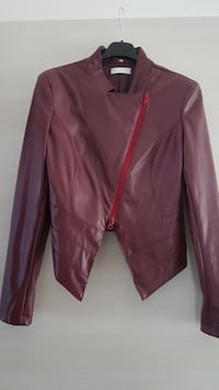 giacca in ecopelle bordeaux
