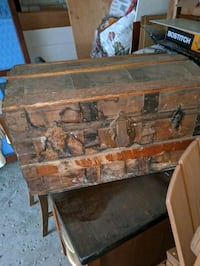 Antique trunk Brampton, L6W 2E8
