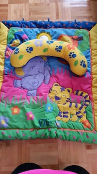 Baby Play mat with toys Laval, H7Y 2B5