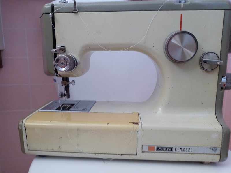 Sears Kenmore Sewing Machine 1cf21719-22ab-47d2-b2e2-bb9024f86c76