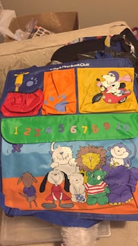 New child's book bag / hanging storage for room. Laval, H7Y 2C1