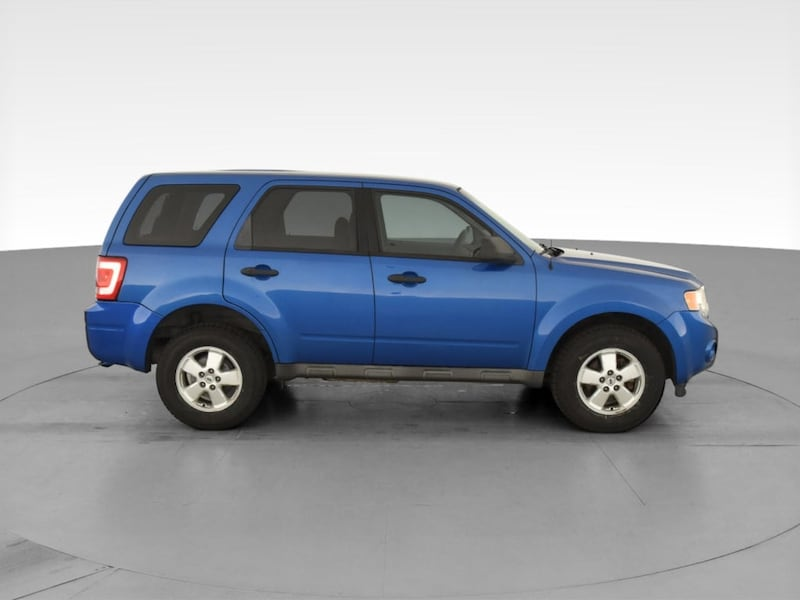 2011 Ford Escape suv XLS Sport Utility 4D Blue <br /> 12