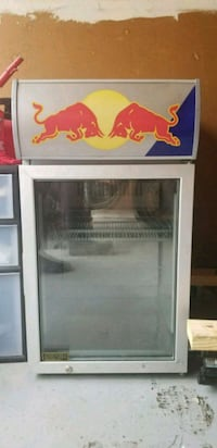 Red Bull fridge 833 mi