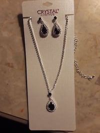 Blue rhinestone earrings with matching necklace  Norfolk, 23523