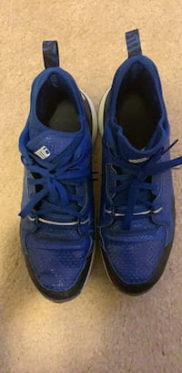 pair of blue-and-white Nike running shoes Woodbridge, 22191
