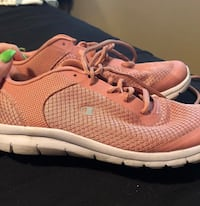 Women's champion shoes runners size 8 Surrey, V3W 0V9